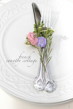FRENCH COUNTRY COTTAGE: Setting a Simple Table