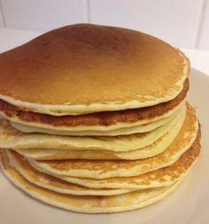 American pancakes recipe – Bake light pancakes – Make American pancakes – easy recipe – American pancake Homemade Pancakes, Pancakes Easy, Pannekoeken Recipe, Waffles, Feta, Gourmet Recipes, Healthy Recipes, American Pancakes, Recipe For Teens