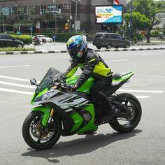 Kawasaki Ninja ZX-10R, FIM Superbike World Championship, #Motorcycle #Statistics #Instagram #YouTube Video, Under Control - Follow #extremegentleman for more pics like this!