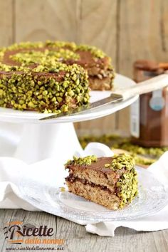 Torta al pistacchio e Nutella | Ricette della Nonna Krispie Treats, Rice Krispies, Oreo, Banana Bread, Desserts, Recipes, Food, Biscotti, Snow