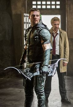Arrow 4x05 - Oliver & John Constantine.  Can the guy with the arrow please get out of the shot