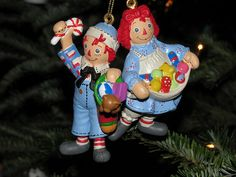 Cute Raggedy ornaments.