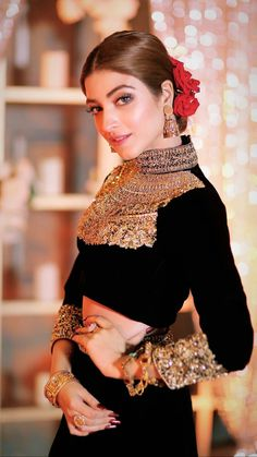 Pakistani Bridal Wear, Pakistani Dress Design, Pakistani Dresses, Indian Dresses, Indian Outfits, Party Wear Dresses, Bridal Dresses, Blouse Lehenga, Sari