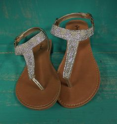 Just a note, I already have sandals almost exactly like these, so I don't need silvery plain sandals. Thanks!! ❤️
