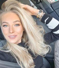 Beige Blonde Hair, Blonde Hair Shades, Light Blonde Hair, Blonde Hair Looks, Platinum Blonde Hair, Festival Hair, Long Layered Hair, Blonde Highlights, New Hair