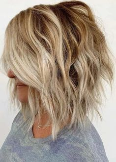 Amazing Inverted Bob Haircuts for Women to Try in 2020 Bob Haircuts 2017, Inverted Bob Haircuts, Best Bob Haircuts, Bob Haircuts For Women, Modern Bob Hairstyles, Hairstyles Haircuts, Bob Cut Styles, Hair Styles, Best Bobs