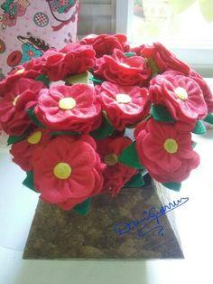 Buquê de Flores. #lembrancinha #feltro #flôremfeltro
