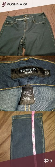 """Torrid 22 T high waisted jeggings These are so flattering! It says tall but I'm 5'6"""" and they fit well. I included measurements in pictures. No tears and no worn spots because were worn only twice torrid Jeans Skinny"""