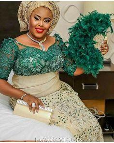 #asoebi #asoebispecial #speciallovers #wedding #makeover #dope #headgear #traditional #cultural  Asooke @deroyalfabrics Blouse @jbliving  Glam @omogeadumaradan  Photography @jgatesvisuals