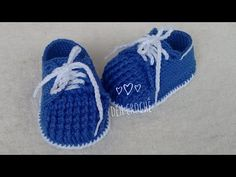 Sapatenis em croche - YouTube Booties Crochet, Crochet Baby Socks, Crochet Baby Clothes, Crochet Shoes, Crochet Slippers, Baby Knitting, Baby Boy Booties, Baby Boots, Knitting Videos