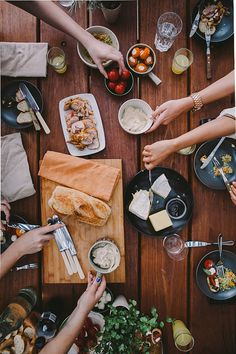 A casual lunch like this over a huge table, with good food and great friends makes life worth living.