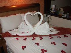 Origami swan towel animals 60 ideas for 2019 Towel Swan, Romantic Room Surprise, Romantic Room Decoration, Towel Origami, Origami Swan, Origami Heart, Wedding Bedroom, Bathroom Towel Decor, Towel Animals