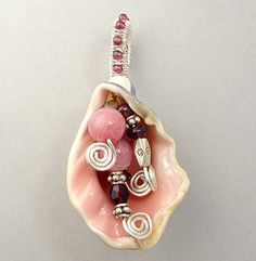 neat idea for a pendant from those shells you pick up while beach combing