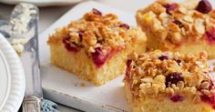 Cheese Rhubarb Bars You had me at cream cheese. Rhubarb Cream Cheese Bars Recipe - You had me at cream cheese. Rhubarb Desserts, Köstliche Desserts, Delicious Desserts, Yummy Treats, Rhubarb Recipes Cream Cheese, Strawberry Rhubarb Recipes, Cooking Rhubarb, Rhubarb Rhubarb, Blueberry Rhubarb