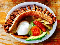 What to eat in Colombia for breakfast, lunch and dinner
