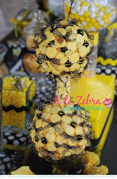 """Bee """"SWEETS"""" Table 