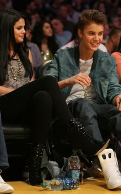 Justin Bieber and Selena Gomez, Los Angeles Lakers VS Spurs in Los Angeles Staples Center