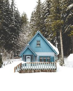 """quiet-nymph: """"Photography by Zackk Barazowski """" Little Cabin, Little Houses, Tiny Houses, Cottage In The Woods, Cabins In The Woods, Tiny House Cabin, Cabin Homes, Cabins And Cottages, Small Cabins"""
