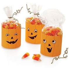 Jack-o'-Lantern Party Favors - I'm thinking Mason could use this for his trick or treat bag just not sure what to use for the handles without the bag ripping from being too heavy..
