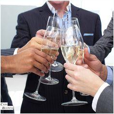 Los #EventosEmpresariales son una magnifica herramienta para el crecimiento de empresas y negocios. Propiciamos los mejores ambientes para que lleves acabo tus reuniones empresariales en #CasaBlanca para más información escríbenos a info@cbeventos.cl