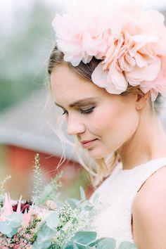Gorgeous bride  I  Petra Veikkola Photography   www.petraveikkola.com #weddingphotographer #weddingineurope #hääkuvaaja #hääkuva #morsian #bride