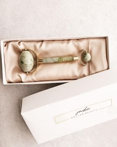 """why do I jade roll? to increase circulation and stimulate lymphatic drainage. this increase in blood flow nourishes the muscles which improves their tone and hello defined cheekbones!⠀ ⠀ I like to store my mint jade roller beauty """"jade roller spa"""" in the fridge to help reduce puffiness but you can also warm your roller with warm water and roll over your serum to help it penetrate more deeply into the skin! use code LUCKYJADE for $7 off a jade roller at jade roller beauty"""