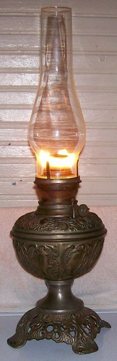 Embossed Floral Scrolling Plume Atwood Royal Center Draft Oil Lamp Works Great | eBay