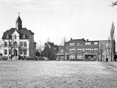 Gemeentehuis met witte grind