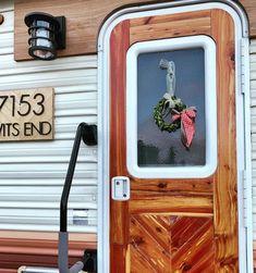 Camper Makeover, Door Makeover, Diy Camper, Camper Ideas, Camper Van, Diy Rv, Camper Renovation, Camper Remodeling, Rv Interior