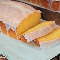 Starbucks Iced Lemon Pound Cake Copycat Recipe - Picky Palate uses cake mix.gotta try Just Desserts, Delicious Desserts, Dessert Recipes, Yummy Food, Starbucks Lemon Pound Cake, Lemon Bread, Pound Cake Recipes, Pound Cakes, Pastry Recipes