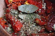 Contacto con lo Divino: Como Preparar Tomates Secos Pot Roast, Food And Drink, Meat, Ethnic Recipes, Homemade Tomato Ketchup, Home Canning, Cooking Recipes, Casserole