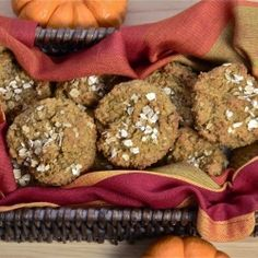 Low-Carb Pumpkin Muffins - Easy, low carb and gluten-free pumpkin muffins!