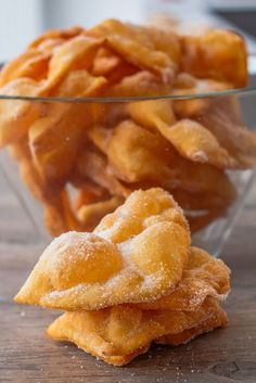 Provençal style atria - Les Délices De Marina - The headset is a variety of donut, thin and crisp, cut in length. The headset is a dessert of Langu - Sweets Recipes, Baking Recipes, Snack Recipes, Churros, Desserts With Biscuits, Carnival Food, Different Recipes, Cookies, Diy Food