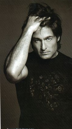 I'd like to run my fingers thru his hair!