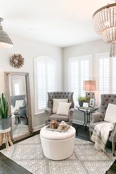Small Sitting Rooms, Bedroom With Sitting Area, Home Living Room, Living Room Decor, Living Room Designs, Designer Living Rooms, Living Room Ottoman Ideas, Decorating Small Living Room, Small Living Room Design