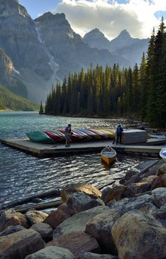 This photo was taken at Moraine Lake in Banff National Park located in Alberta, Canada. Places Around The World, Oh The Places You'll Go, Places To Travel, Places To Visit, Travel Destinations, Lago Moraine, Parque Natural, Parcs, Sierra Nevada