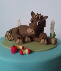 Resultado de imagem para how to make fondant horse ribbons Horse Cake Toppers, Fondant Cake Toppers, Fondant Figures, Fondant Cakes, Cupcake Cakes, Horse Cupcake, 3d Cakes, Cupcake Ideas, Racing Cake