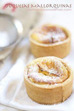 Spanish Desserts, Spanish Dishes, Mini Desserts, No Bake Desserts, Dessert Recipes, Mini Cakes, Cupcake Cakes, Cupcakes, Mallorca Bread