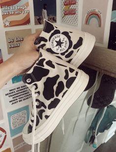 Dr Shoes, Hype Shoes, Sock Shoes, Me Too Shoes, Moda Sneakers, Shoes Sneakers, Shoes Jordans, Denim Shoes, Mode Converse