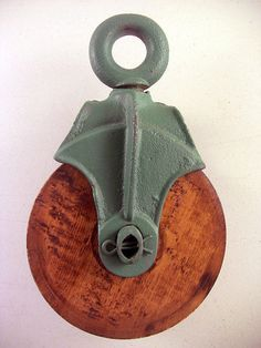 Vintage Industrial Cast Iron & Wood Pulley Green Painted Farm Barn Steampunk – Eclectiques Boutique