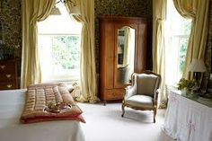 love this art deco bedroom.  Not too over the top. art deco dining rooms - Google Search