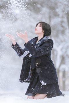帅嘤嘤 セーラー服 制服 Human Poses Reference, Pose Reference Photo, Cosplay Anime, Cosplay Girls, Cute Asian Girls, Cute Girls, Japonese Girl, Snow Girl, Cool Poses