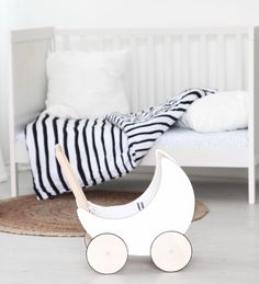 Have you entered the drawing for a toy pram? Today's the drawing! www.ooh-noo.com