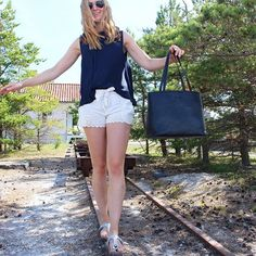 Link in bio! #bydansti #bag #bags #totebag #tote #shopper #black #white #lace #shorts #bow #navy #top #birkenstocks #style #fashion #picoftheday #gotland #2017 #sweden #beautifulplace #travel #love #happy #girl #pictureoftheday #sun #furillen #life #sun