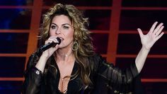 Shania Twain Performs Gorgeous Rendition Of 'Soldier' On 'DWTS' & Leaves Us Breathless https://tmbw.news/shania-twain-performs-gorgeous-rendition-of-soldier-on-dwts-leaves-us-breathless  Shania Twain's back, baby! The country icon performed an amazing rendition of her hit 'Soldier' during 'Dancing With the Stars' Movie Night. Shania's still the queen of country, that's for sure!The Oct. 23 episode of Dancing With the Stars was all about Shania Twain , 52! The Canadian country singer wasn't…