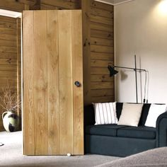 The Nostalgia Solid Oak Ledged Door is a solid oak real wood, the door is supplied untreated for you to apply the finish of your choice. Interior Design Living Room, Internal Doors, Barn Style Doors, Modern Interior, Interior, Wood Doors Interior, Solid Oak Doors, Doors Interior, Elegant Doors