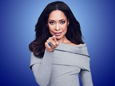 Gina Torres plays Jessica Pearson on Suits. Office Fashion, Work Fashion, Jessica Pearson, Suits Tv Shows, Suits Series, Gina Torres, Lawyer Outfit, Tv Girls, Harvey Specter