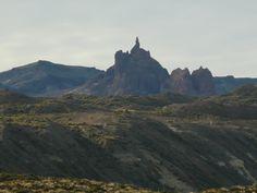 Cerro colmillos en el paso Roballos hacia Argentina