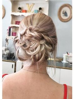 quick and easy messy bridal upstyle from dominiquecalvillo