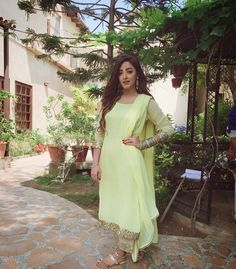 Desi-Pacito ✌ #SanamChaudhry #Gorgeous #LookingPretty #DesiSwag #SummerCasual #SummerOutfits #Fashion #Style #Outfits #Trends #2017 #PakistaniFashion #PakistaniActresses #PakistaniCelebrities  ✨